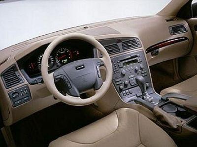 Listino nuovo Volvo V70 XC II 2000